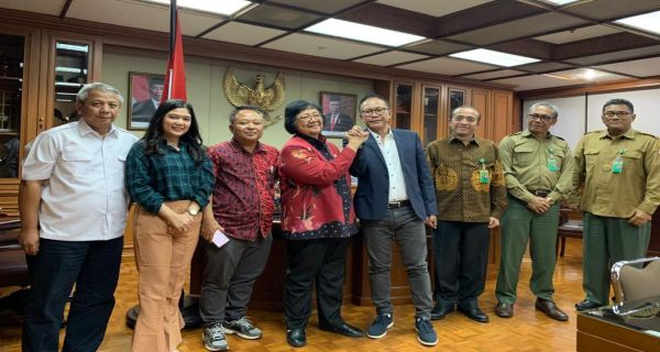 """""""Ini acara HPN bagus"""" Kita dukung dengan penanaman bibit pohon jelas Siti Nurbaya"""