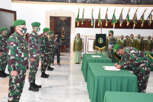 Pangdam III/Siliwangi pimpin serah terima jabatan pejabat utama