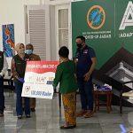 Gubernur Jabar terima 100ribu masker dari Gajah Tunggal Group